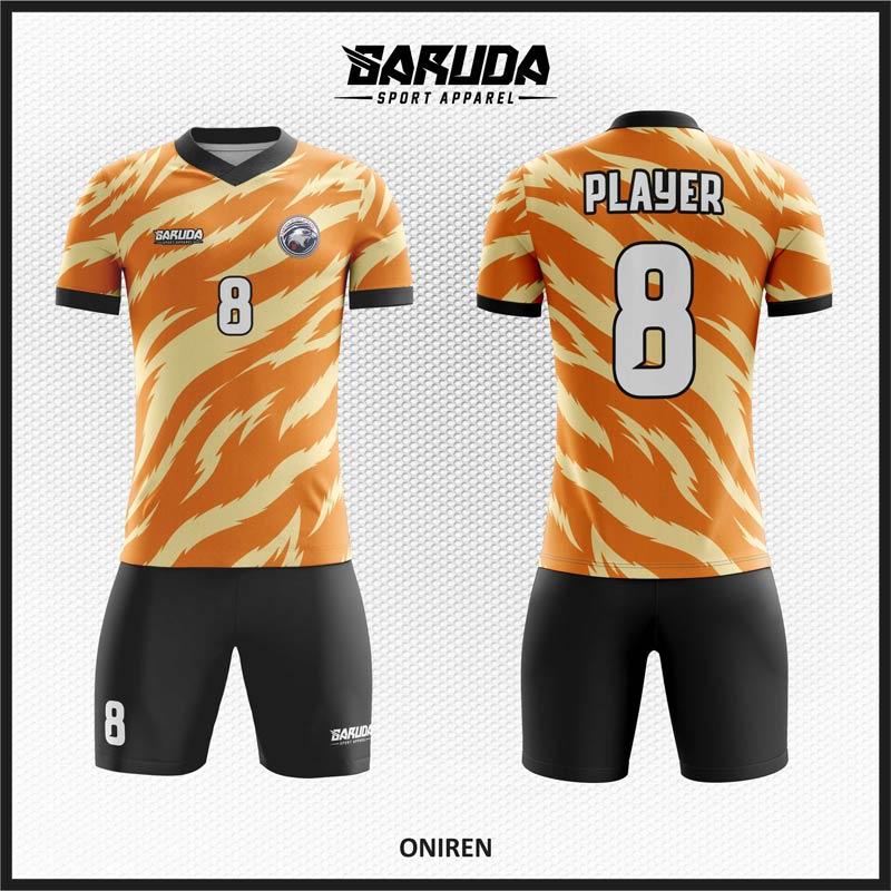 Desain Kostum Futsal Printing Motif Loreng Gradasi Warna Orange Untuk Tampil Beda