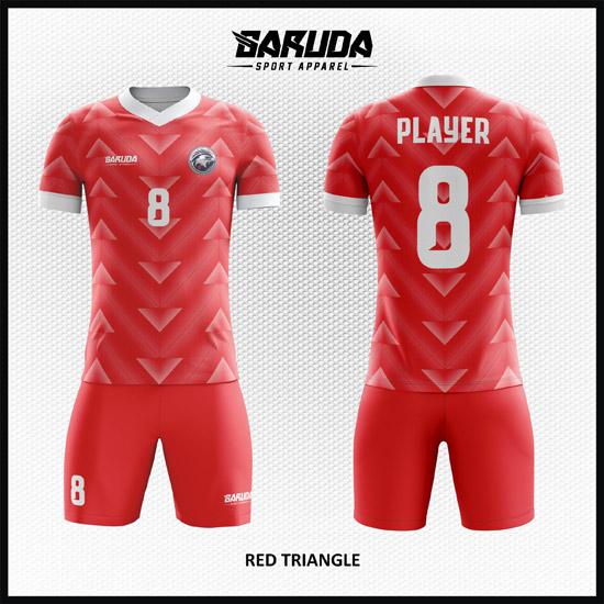 Desain Baju Futsal Warna Merah Motif Segitiga Keren Banget